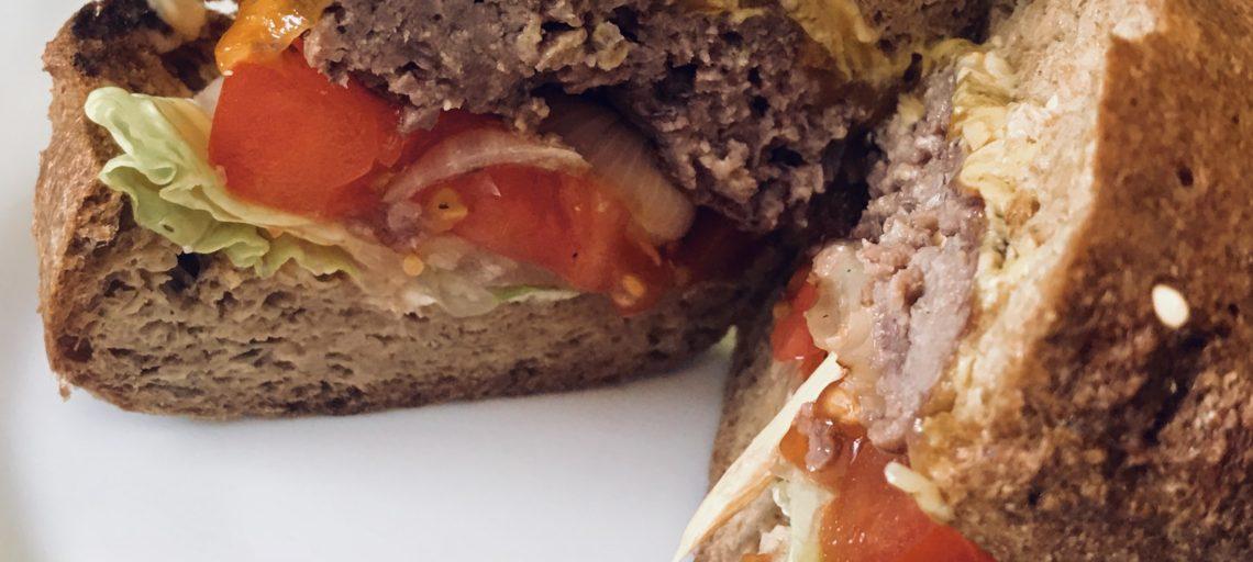 Телешки Бургери с кето питки (beef burgers with keto buns)